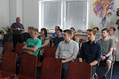 Studenten bei MultiTrans AG